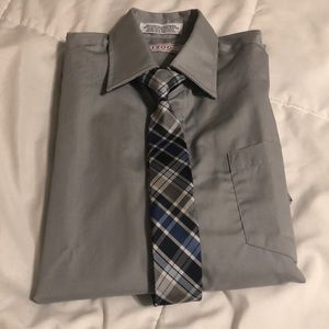 IZOD Button-up Dress Shirt with Tie